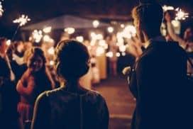 przygotowania doślubu iwesela młodzi wchodzą nasale weselna