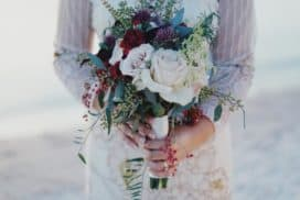 Piękny bukiet weselny wykonany przezflorystkę