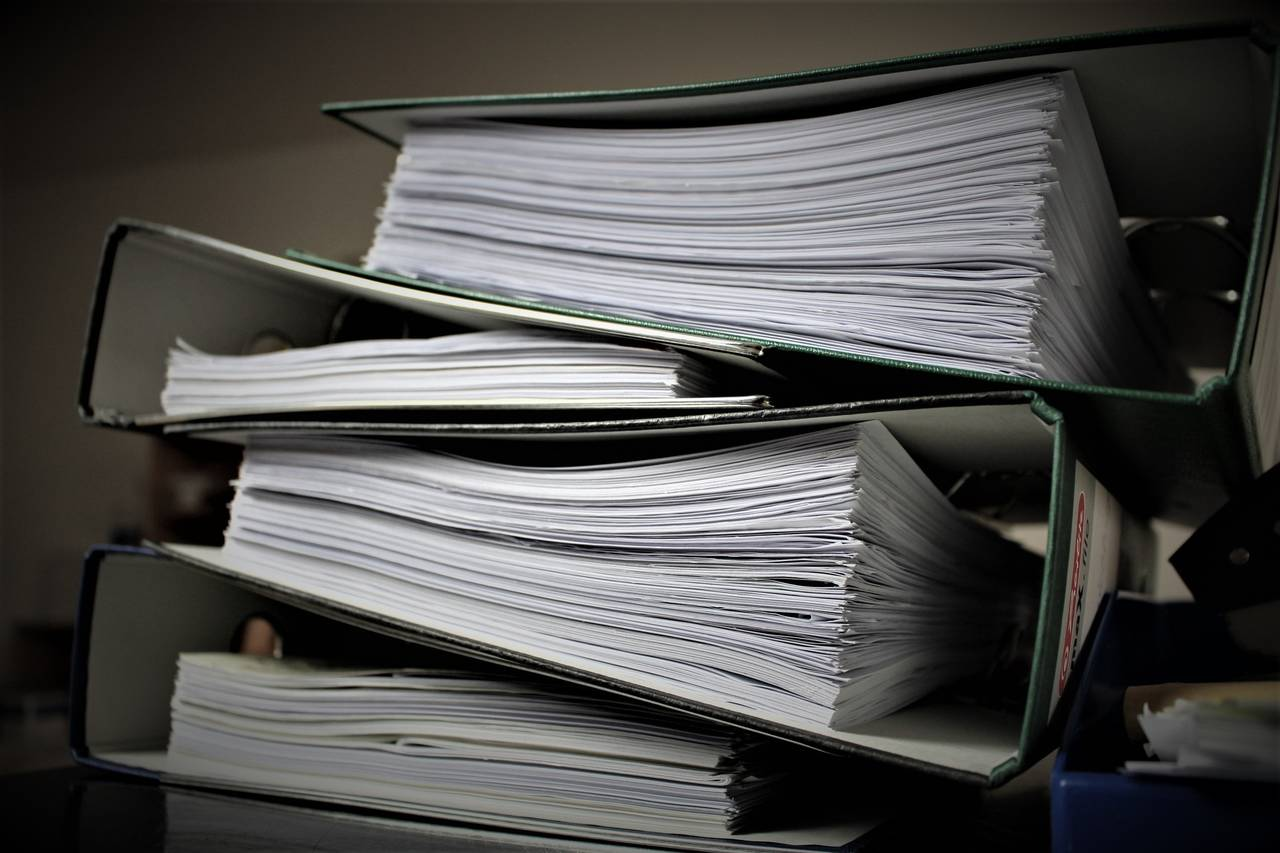Sterta dokumentów do wypełnienia przy odszkodowaniu za opóźniony lot
