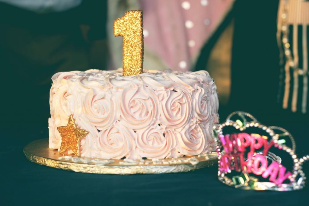 Ciasto na pierwsze urodziny bloga finanse młodych