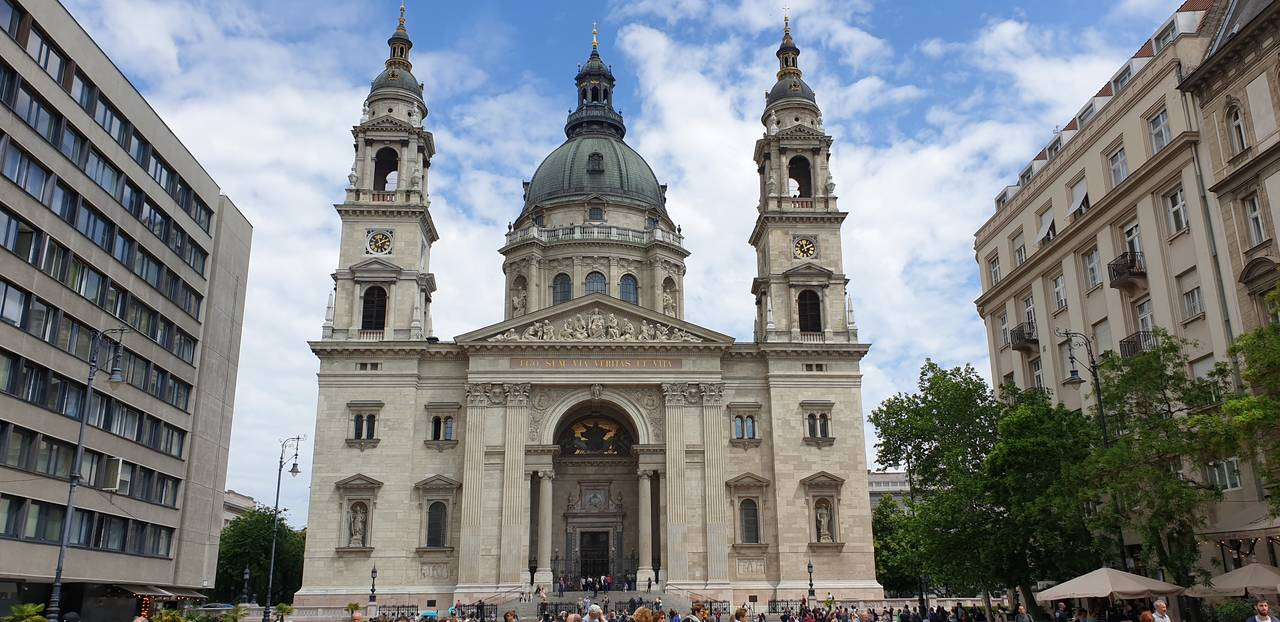 Widok naBazylikę św.Stefana wBudapeszcie