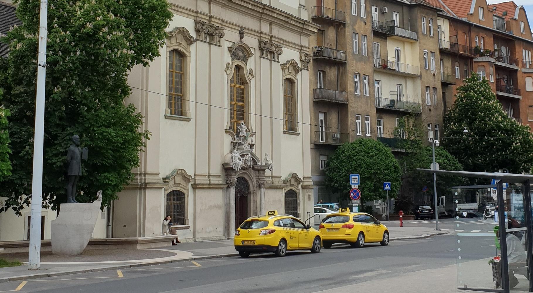 Żółte taksówki wBudapeszcie