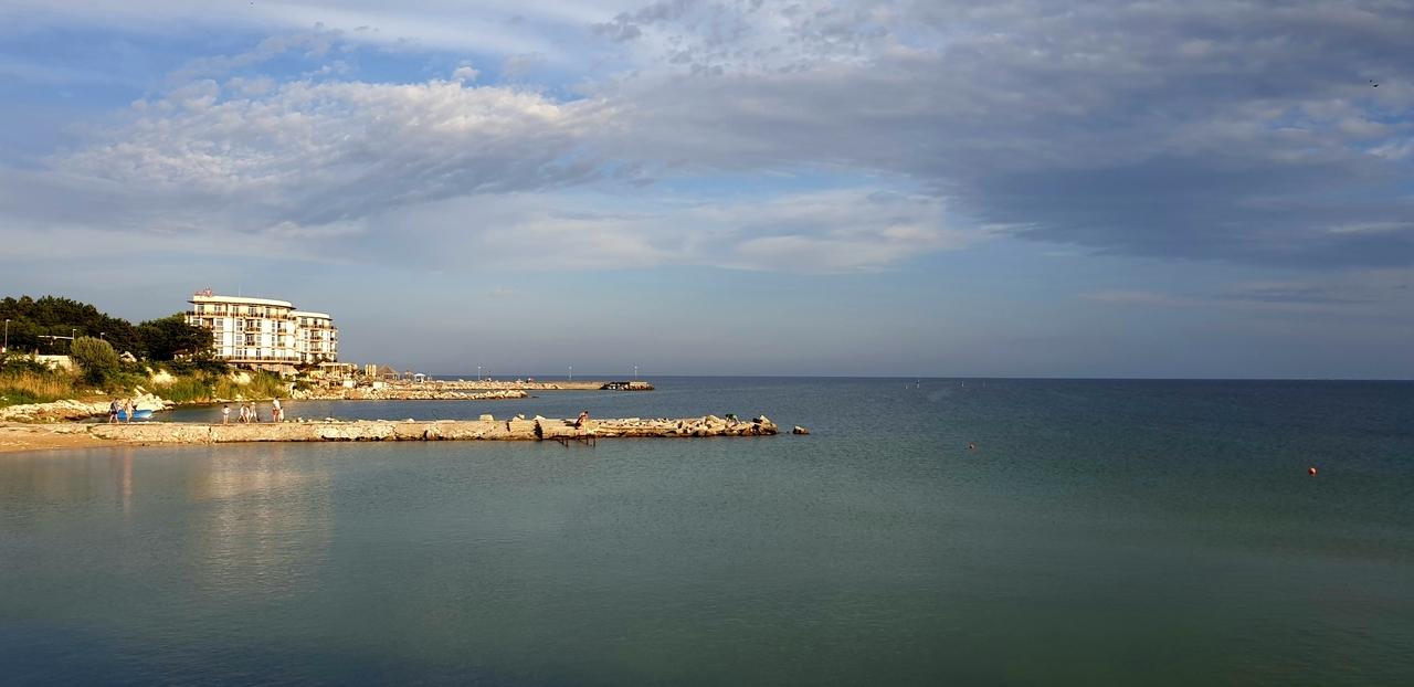 Hotel nadbrzegiem morza czarnego
