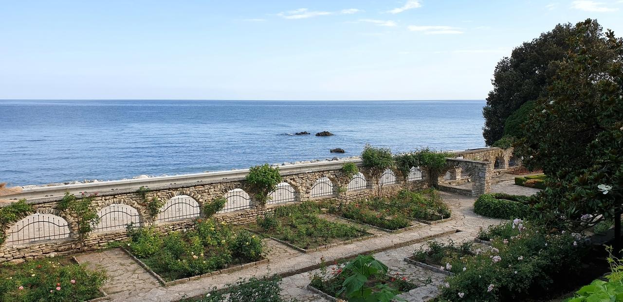 rozana sekcja w ogrodach krolowej marii w bulgarii