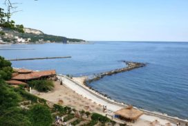 Widok nazatokę Morza Czarnego wBułgarii